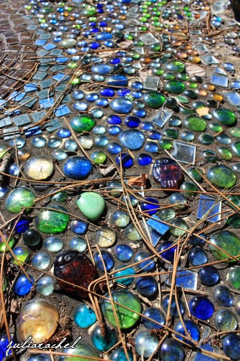 JR-misc glass pebbles