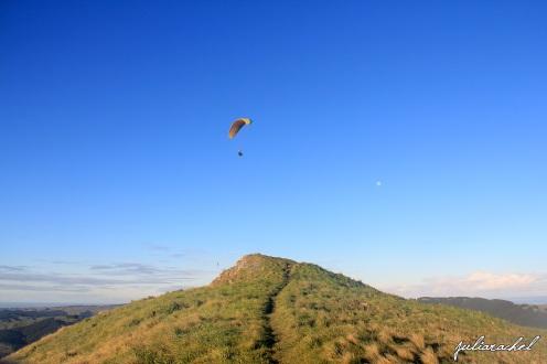 juliarachel-te-mata-peak-parachute