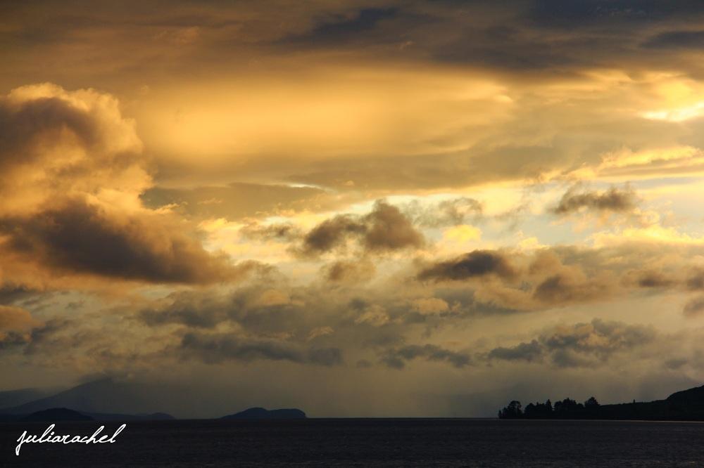 juliarachel-taupo-clouds